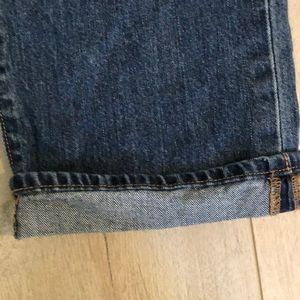 """Old Navy Jeans - Old Navy """"the diva"""" 12 regular low rise capris"""